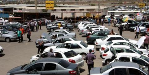ادامه ریزش قیمت خودرو در بازار/ پیشبینی افت قیمت پراید تا ۴۳ میلیون تومان/جدول