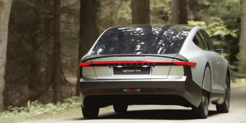 «لایتیر» خودروی برقی خورشیدی با برد 725 کیلومتر تولید کرد