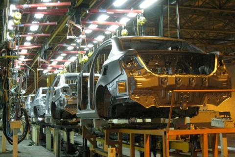 مدیرکل دفتر بازرسی و پاسخگویی به شکایت وزارت صنعت: احتکاری نداریم، خودروها پس از تکمیل تحویل مشتریان میشود