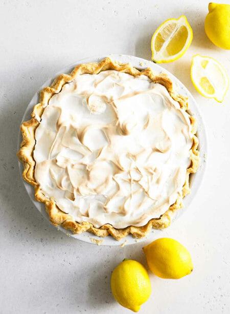 طرز تهیه پای مرنگ لیمو روش پختپای مرنگ لیمو