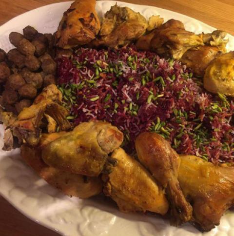 طرز تهیه آلبالو پلو با مرغ و کوفته ریزه