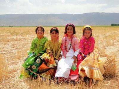 آشنایی با لباس محلی زنان و مردان شیراز
