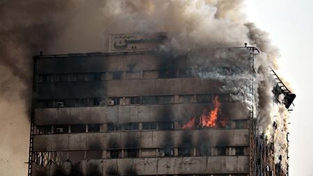 حادثه آتش سوزی ساختمان پلاسکو, علت آتش سوزی ساختمان پلاسکو