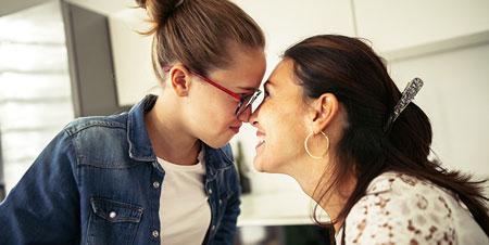 مادر شاغل| اثرات مثبت و منفی اشتغال مادر بر فرزندان