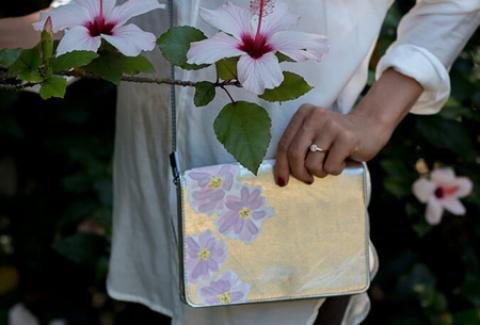 آموزش نقاشی روی کیف زنانه