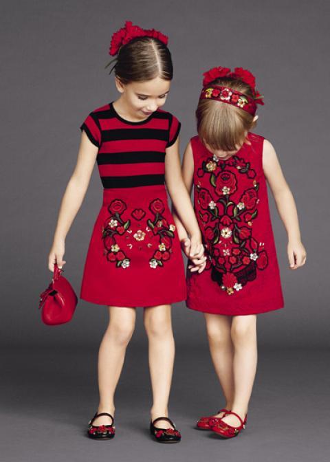 راهنمای انتخاب لباس برای دختر بچه ها