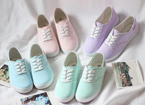 تمیز کردن کفش ها با جنس های مختلف