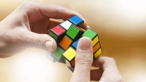 آموزش تصویری حل مکعب جادویی روبیک