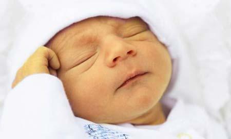درمانهای خانگی زردی نوزاد + عوارض زردی
