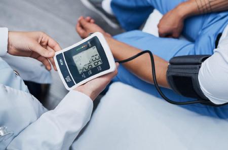 درمان سردرد ناشی از فشار خون بالا, علایم فشار خون بالا