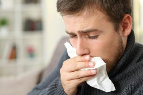 8 علائم هشدار دهنده سرطان گلو که باید بدانید!