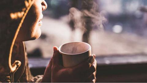 چگونه قهوه بر فشار خون شما تأثیر می گذارد؟