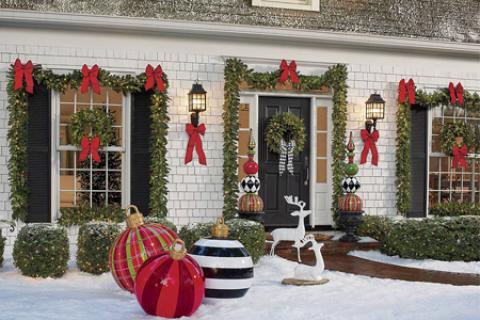 تزیین ورودی خانه برای کریسمس
