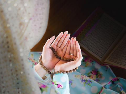 پرفضیلت ترین و بهترین دعای عصر جمعه کدام است؟