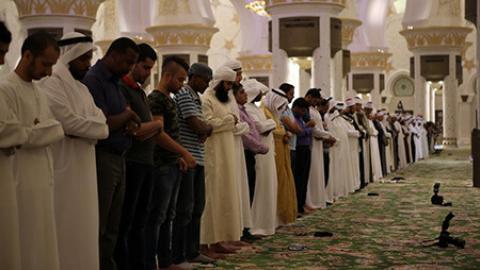 چگونه نماز تراویح را در خانه بخوانید ؟ نماز تراویح چیست و چگونه خوانه میشود؟