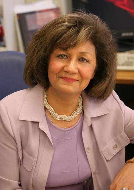 زندگینامه پروفسور منیژه رازقی,آشنایی با پروفسور منیژه رازقی