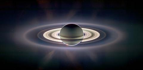 آشنایی با سیاره زحل