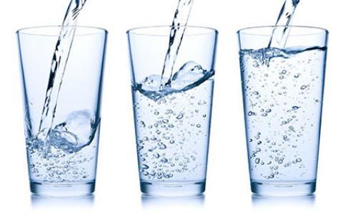 آب قلیایی چیست و چگونه میتوان آب قلیایی را در خانه درست کرد؟