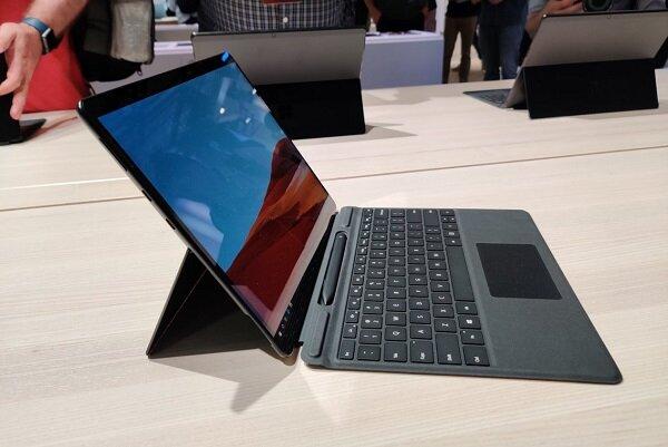 مشکل عجیب لپ تاپ فوق مدرن مایکروسافت/ عدم نصب جک هدفون