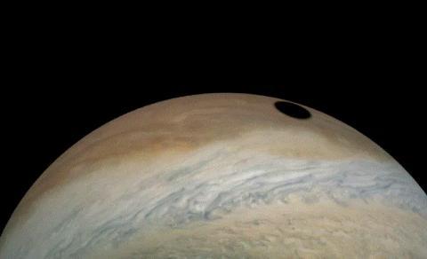 جالبترین ماه گرفتگی منظومه شمسی را بر سطح این سیاره مشاهده کنید
