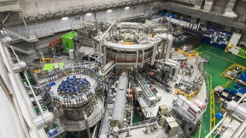 فرآیند همجوشی هسته ای با دمای ۱۰۰ میلیون درجه در کره انجام شد