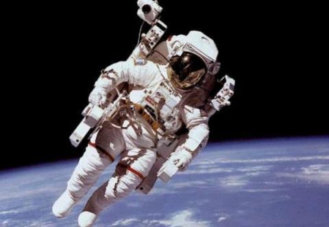 همکاری ناسا و فرانسه در ماموریت ارسال فضانورد به ماه