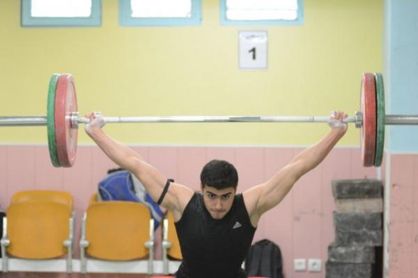 نقره یک ضرب، تنها مدال ایران در ۹۶ کیلوگرم جوانان جهان/ طاهری در دوضرب ضعیف ظاهر شد
