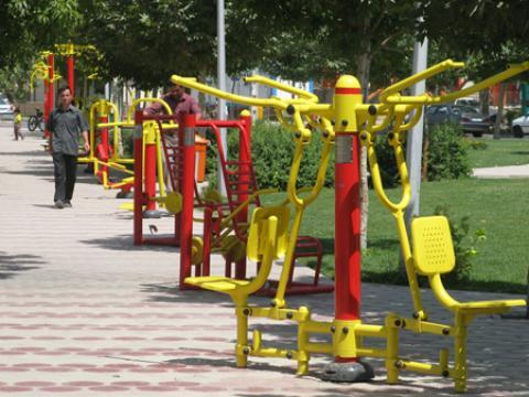 آشنایی با وسایل ورزشی پارک و نحوه استفاده از آنها