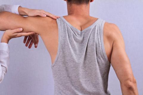 لیفت بازو چیست و چگونه انجام می شود؟ رفع افتادگی و شلی پوست بازو با عمل جراحی لیفت بازو
