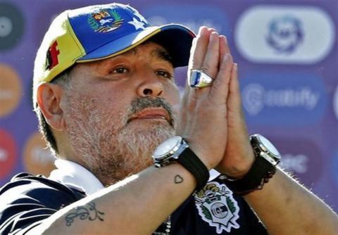 پاسخ تند مارادونا به دخترش: نه دارم میمیرم و نه چیزی برایت به ارث میگذارم