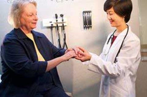 حركتی برای درمان پيچخوردگی انگشتان+تصویر