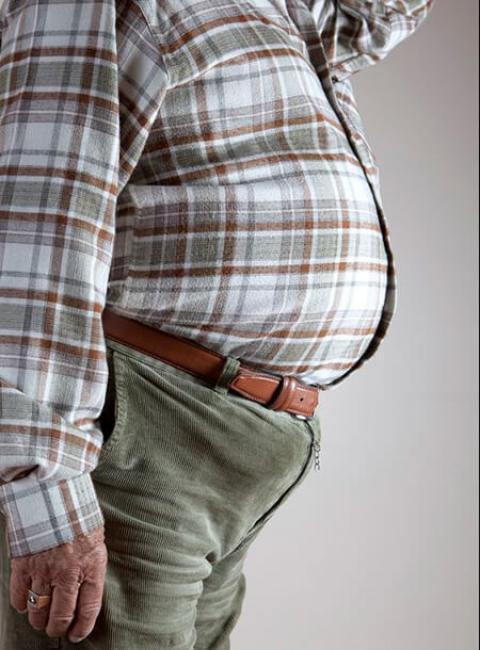 دلایل و پیشگیری از افزایش وزن در میانسالی چرا در دوران میانسالی اضافه وزن پیدا میکنیم ؟