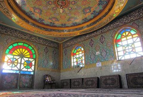 امامزاده حمزه عرب,مکانهای زیارتی ایران,کوه حمزه عرب