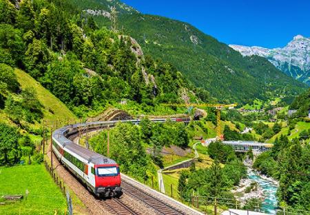سفر با قطار چه مزایایی دارد؟