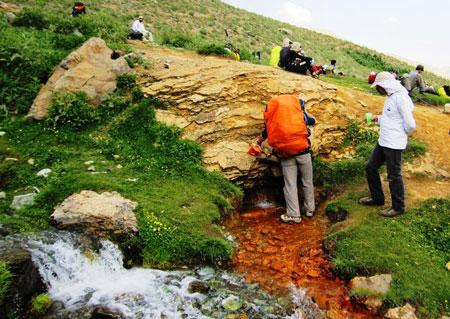 چشمه تلخاب,قله خلنو,روستای لالون