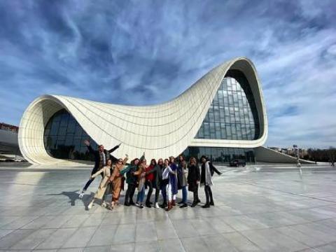 12 معماری خیره کننده در آذربایجان که توجه شما را جلب می کند