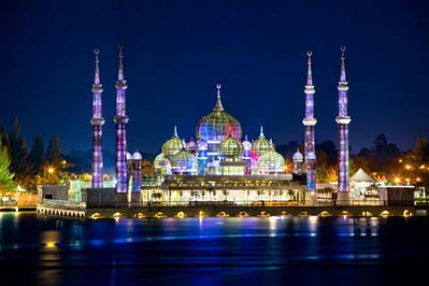 مسجد کریستال، شاهکار هنری و معماری در مالزی