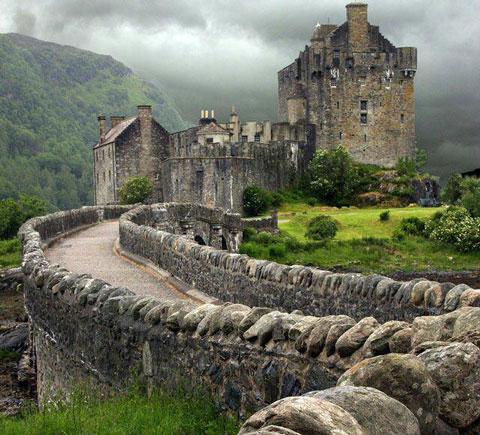 قلعه سنگی آلین دونن