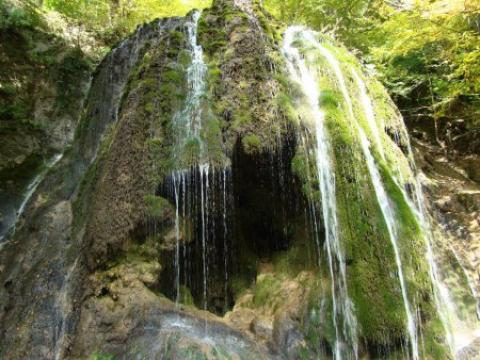 آبشار سمبی یکی از شگفتیهای طبیعت + عکس آشنایی با آبشار سمبی
